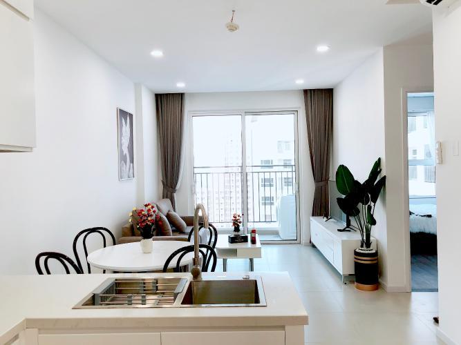 Căn hộ tầng 23 Sunrise Riverside đầy đủ nội thất, view thoáng mát.