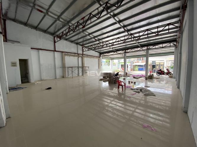 Không gian mặt bằng kinh doanh huyện Bình Chánh Mặt bằng kinh doanh huyện Bình Chánh diện tích 216m2 hướng Tây Bắc.