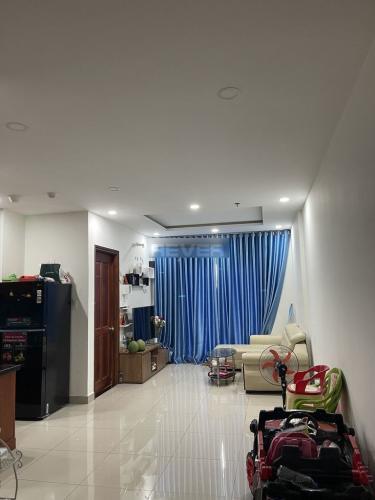 Căn hộ Orchid Park đầy đủ nội thất, ban công hướng Tây.