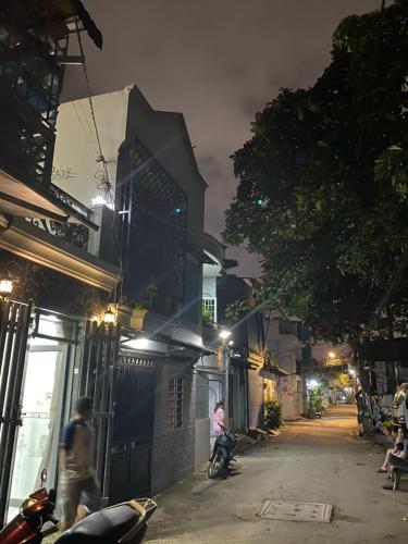 Hẻm nhà phố Tân Kiểng, Gò Vấp Nhà phố Gò Vấp hướng Tây 2 mặt hẻm, thuận tiện kinh doanh.