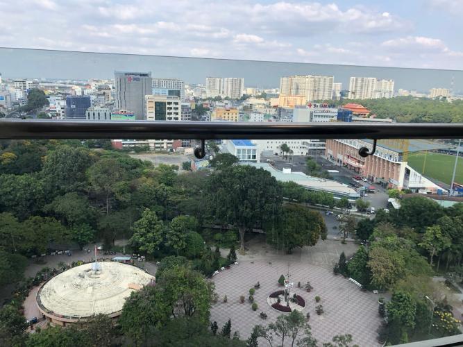 View căn hộ Park Legend, Tân Bình Căn hộ Park Legend cửa hướng Đông view thành phố thoáng mát.