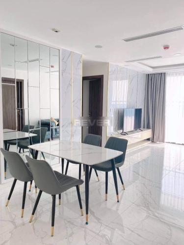Căn hộ Sunshine City Saigon tầng trung, nội thất đầy đủ.