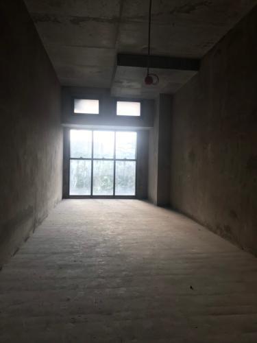 Căn hộ The Sun Avenue tầng trệt thoáng mát, không nội thất.