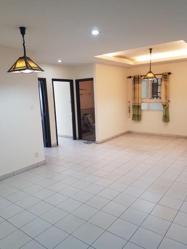 Căn hộ An Phú Apartment nội thất cơ bản, ban công hướng Nam.