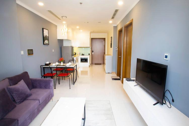 Phòng khách căn hộ VINHOMES CENTRAL PARK Bán căn hộ Vinhomes Central Park 1PN, tầng cao, đầy đủ nội thất, view sông Sài Gòn và thành phố