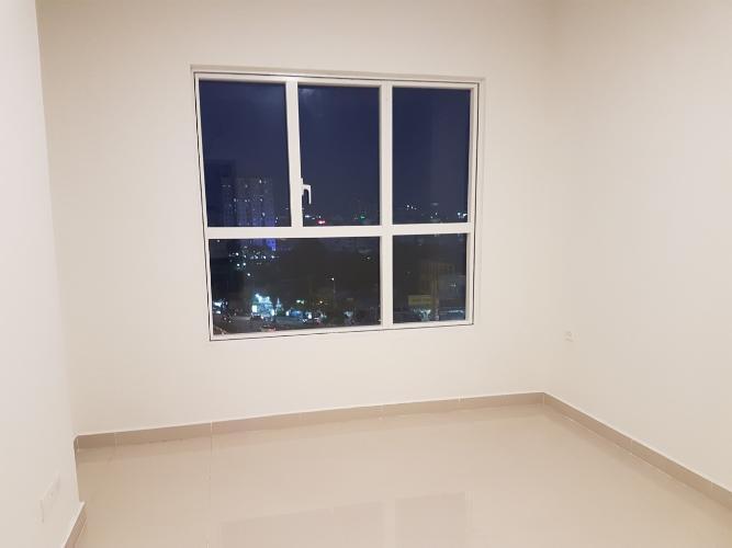 Phòng ngủ căn hộ Sunrise Cityview Căn hộ Sunrise CityView ban công Đông Nam, trang bị nội thất cơ bản.