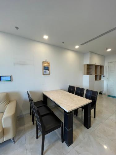 Phòng bếp căn hộ Vinhomes Golden River, Quận 1 Căn hộ Vinhomes Golden River đầy đủ nội thất, thiết kế sang trọng.