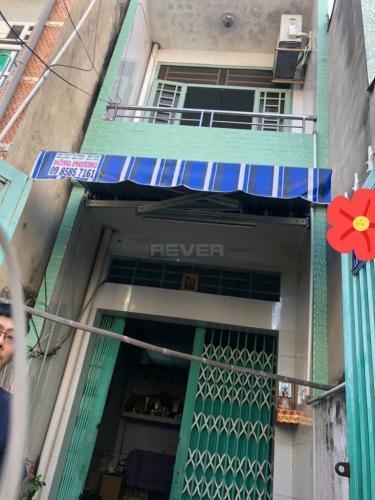 Nhà phố có 2 mặt tiền hẻm đường Bến Lò Gốm, kết cấu 1 trệt 1 lầu.