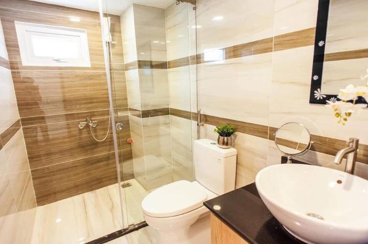 Phòng tắm căn hộ dịch vụ Quận 10 Cho thuê căn hộ dịch vụ đường Ba tháng Hai, Quận 10, diện tích 35m2, cách Nhà hát Hòa Bình 200m