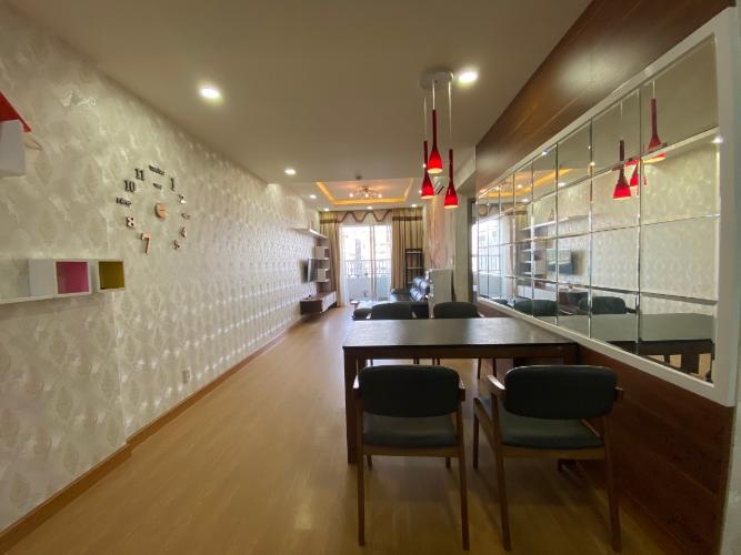 Phòng khách Lexington Residence Quận 2 Căn hộ Lexington Residence tầng cao, sàn lót gỗ, đủ nội thất.