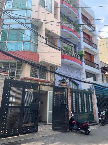 Bán nhà hẻm Nguyễn Thiện Thuật, Quận 3, sổ hồng, cách Ngã 6 Cộng Hòa 400m