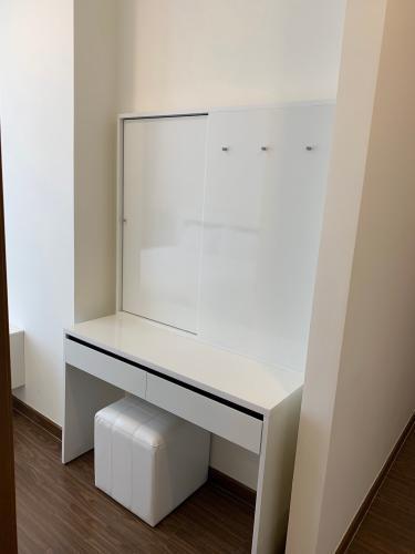 phòng ngủ căn hộ Vinhomes Central Park Căn hộ tầng 32 Vinhomes Central Park ban công Tây Nam