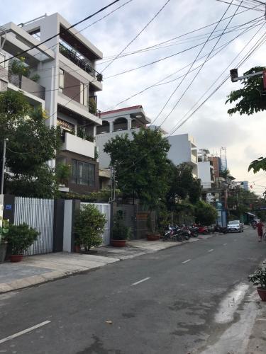 Đường hẻm nhà phố Ba Vì, Quận 10 Nhà phố đầy đủ nội thất tiện nghi, ngay khu dân cư văn minh.