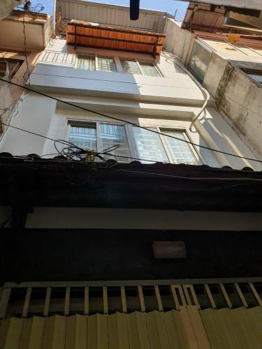 Mặt tiền Nhà phố hướng Đông Nam, hẻm khu dân cư an ninh yên tĩnh.