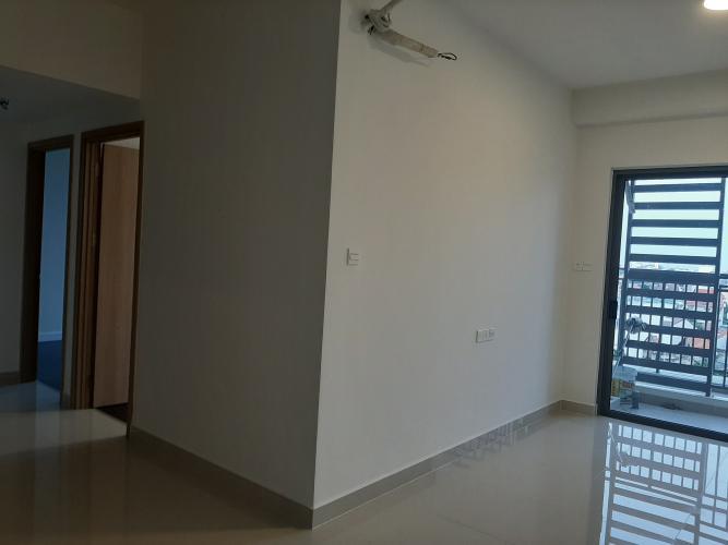 Căn hộ The Sun Avenue tầng 27 gồm 3 phòng ngủ, không nội thất.