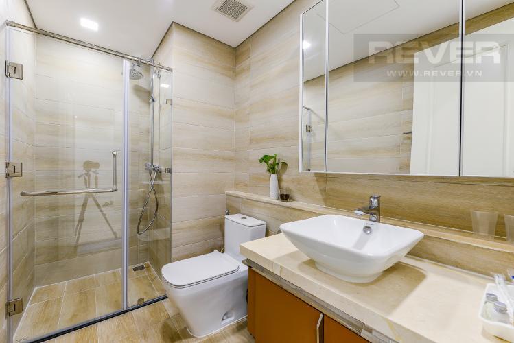 Phòng tắm 1 căn hộ Vinhomes Golden River Cho thuê căn hộ Vinhomes Golden River 2PN, tầng cao, diện tích 72m2, đầy đủ nội thất, view sông Sài Gòn