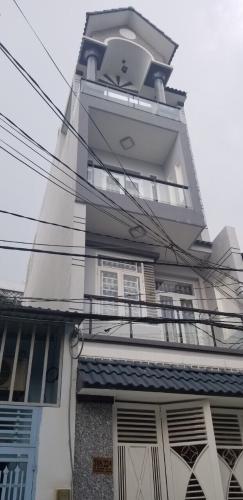 Nhà phố Bình Tân cửa hướng Tây, cách đường mặt tiền 20m.