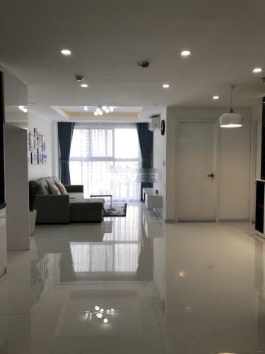 Căn hộ tầng 9 Scenic Valley thiết kế hiện đại, bàn giao đầy đủ nội thất.