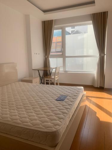 Phòng ngủ căn hộ Sky Center, Tân Bình Căn hộ Sky Center tầng trung gồm 3 phòng ngủ, đầy đủ nội thất.
