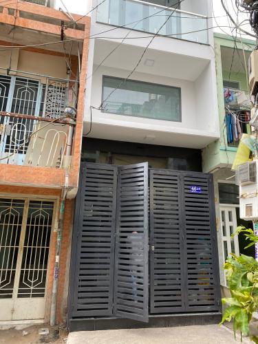 Mặt tiền nhà phố Phạm Văn Chí, Quận 6 Nhà phố hướng Đông Nam, hẻm 6m cách mặt tiền 3 căn nhà.