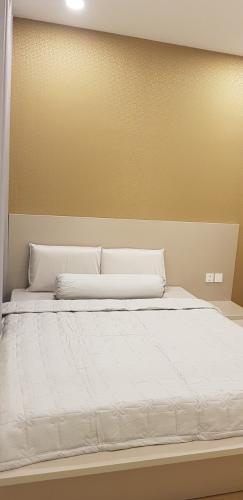 Phòng ngủ Masteri Millennium Quận 4 Căn hộ Masteri Millennium tầng trung, view sông Sài Gòn.