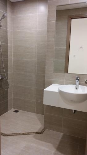 Nhà wc căn hộ Vinhomes Grand Park Bán căn hộ Vinhomes Grand Park nội thất cơ bản, view thành phố.
