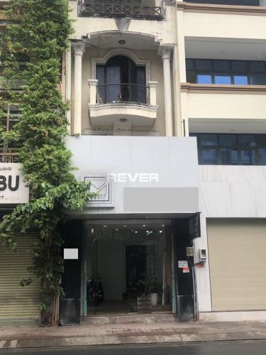 Mặt bằng kinh doanh Quận Phú Nhuận diện tích 50m2, nội thất cơ bản.