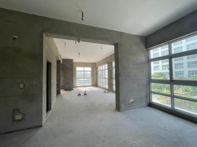 Căn hộ Duplex Happy Valley tầng trệt cửa hướng Đông, không nội thất.