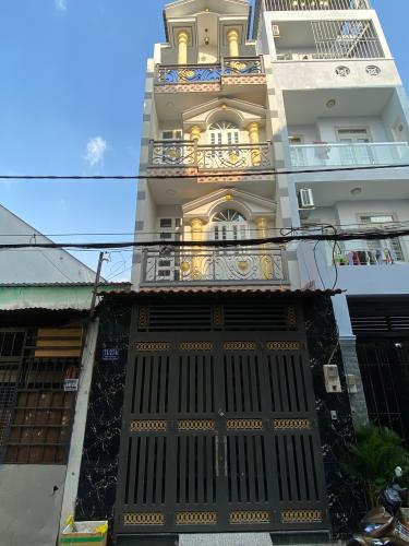 Nhà phố Bình Tân kết cấu 4 tầng, hẻm xe hơi thông thoáng.
