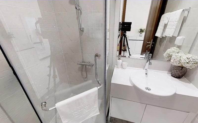 Phòng tắm Vinhomes Central Park Căn hộ Vinhomes Central Park hướng Đông Bắc, nội thất đầy đủ.