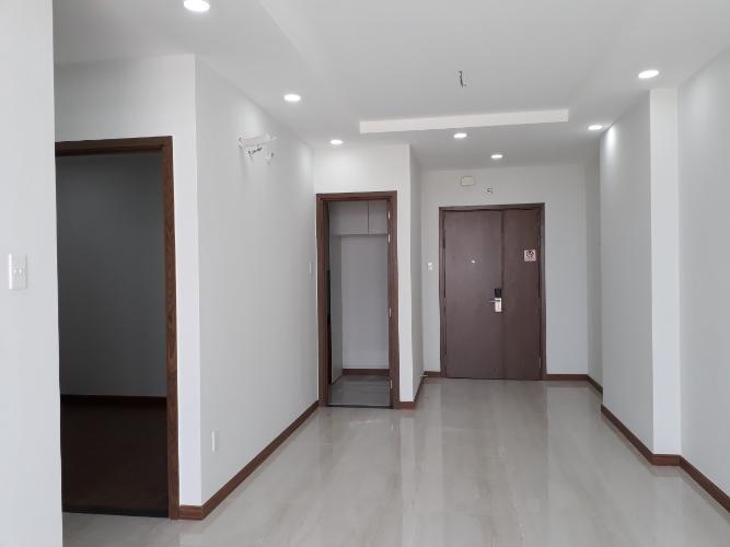 Căn hộ Him Lam Phú An nội thất cơ bản, view thành phố thoáng mát.