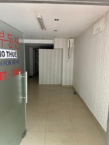 Shophouse CHung cư Hưng Vượng 2 diện tích 40m2, không nội thất.