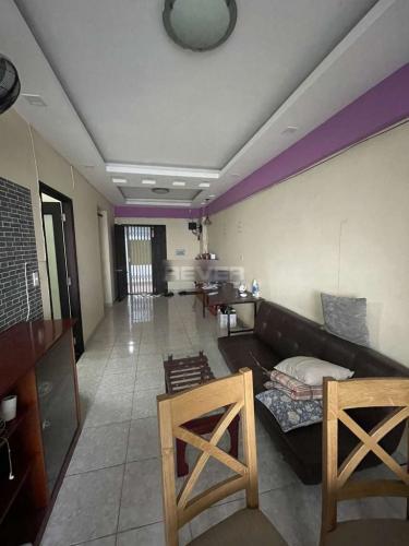 Căn hộ chung cư Khang Gia tầng 7 view thành phố sầm uất.