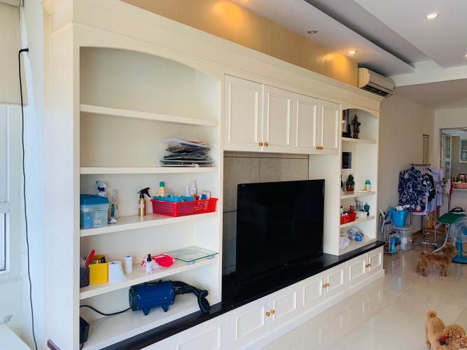 Căn hộ có 2 phòng ngủ Saigon Pearl tầng 19, đầy đủ nội thất.