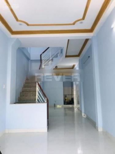 Nhà phố mặt tiền đường Trường Chinh rộng 40m, kết cấu 1 trệt 2 lầu.