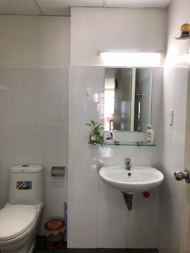 Phòng tắm căn hộ Conic Skyway, Bình Chánh Căn hộ Conic Skyway 2 phòng ngủ, tầng trung view thoáng mát.