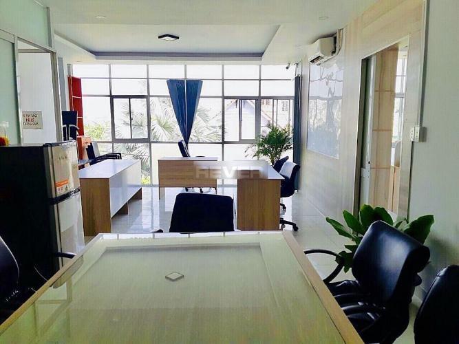 Văn phòng Quận Thủ Đức Văn phòng có 2 mặt tiền đường Phạm Văn Đồng diện tích 100m2.