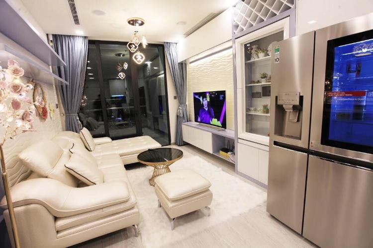 Bán căn hộ Vinhomes Golden River tầng trung, diện tích 49m2 - 1 phòng ngủ, đầy đủ nội thất