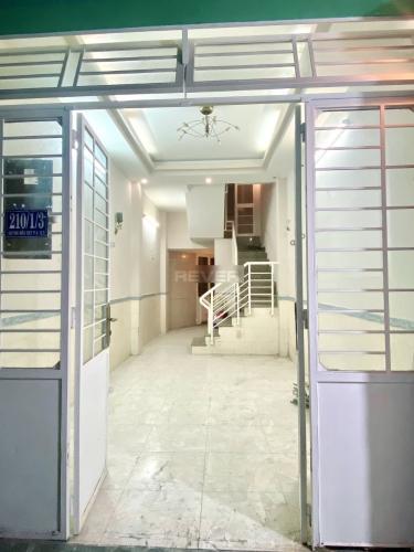Nhà phố góc ngã 4 Trần Phú gần chợ An Đông, diện tích 28.2m2.