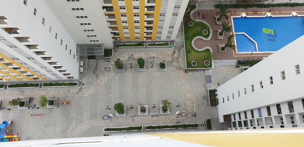 view căn hộ city gate Căn hộ City Gate tầng cao, lót sàn gỗ, đầy đủ nội thất.
