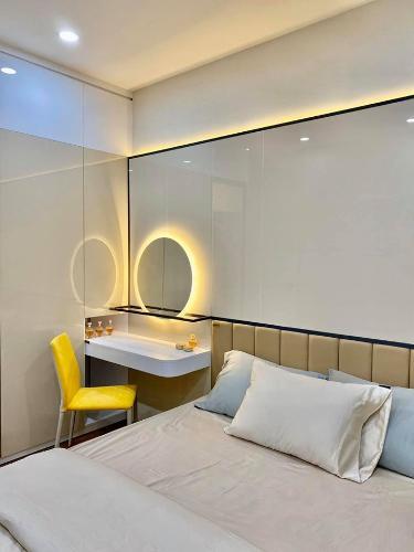 Phòng ngủ căn hộ Ricca, Quận 9 Căn hộ Ricca tầng 10 thiết kế gam trắng sang trọng, nội thất cơ bản.