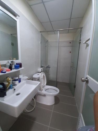Phòng tắm , Căn hộ Flora Fuji , Quận 9 Căn hộ Flora Fuji tầng trung view thoáng mát, nội thất đầy đủ.