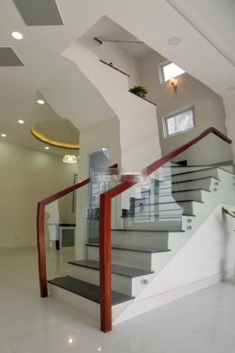 Bên trong nhà phố D22, Thủ Đức Nhà phố hẻm oto ra vào, thích hợp ở hoặc làm văn phòng.