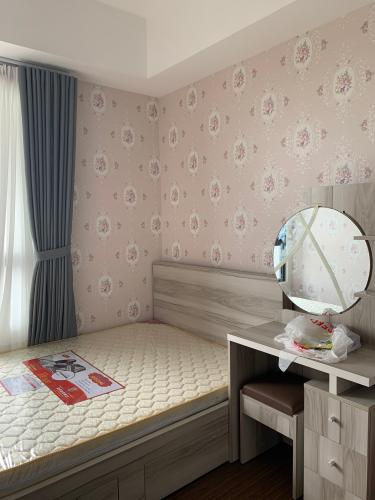 Phòng ngủ căn hộ Safira Khang Điền Căn hộ tầng 10 Safira Khang Điền bàn giao đầy đủ nội thất.