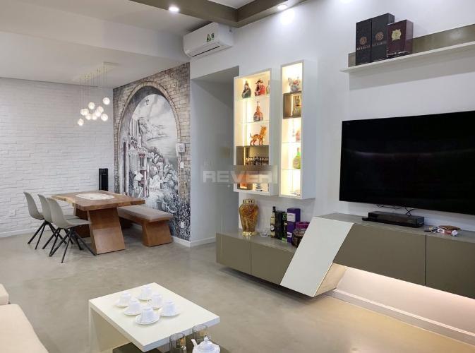 Căn hộ Golden Mansion đầy đủ nội thất tiện nghi, tầng trung.