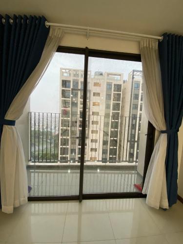 Căn hộ Hado Centrosa Garden tầng 9 nội thất cơ bản, view thoáng