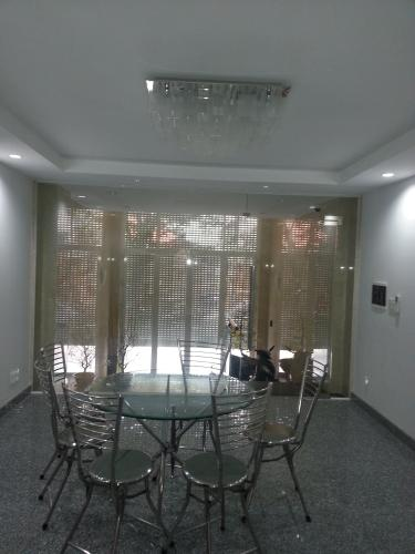 Không gian nhà phố Quận 3 Nhà phố Quận 3 hướng Đông Nam diện tích sử dụng 100m2, nội thất cơ bản.