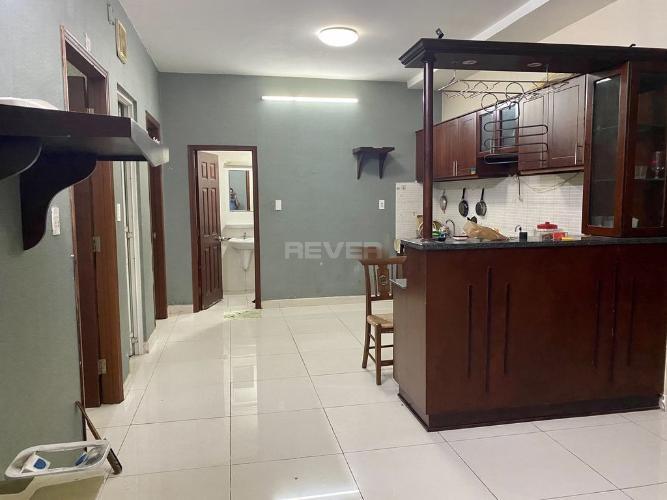 Căn hộ Phú Thạnh Apartment tiện ích đầy đủ, nội thất cơ bản.