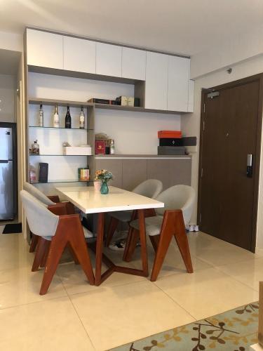 Căn hộ Masteri Millennium tầng 18 có 2 phòng ngủ, đầy đủ nội thất.