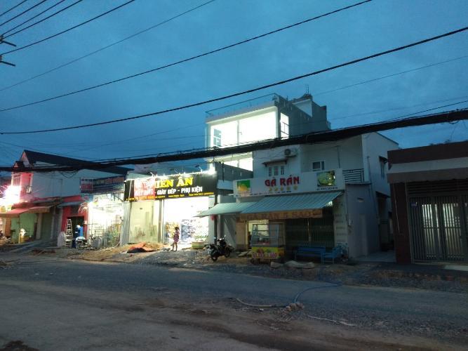 Đường trước mặt bằng kinh doanh Huyện Hóc Môn Mặt bằng kinh doanh đường Đặng Thúc Vịnh, diện tích 80m2 tiện kinh doanh.